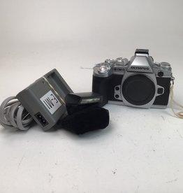 OLYMPUS Olympus OM-D E-M1 Silver Camera Used EX