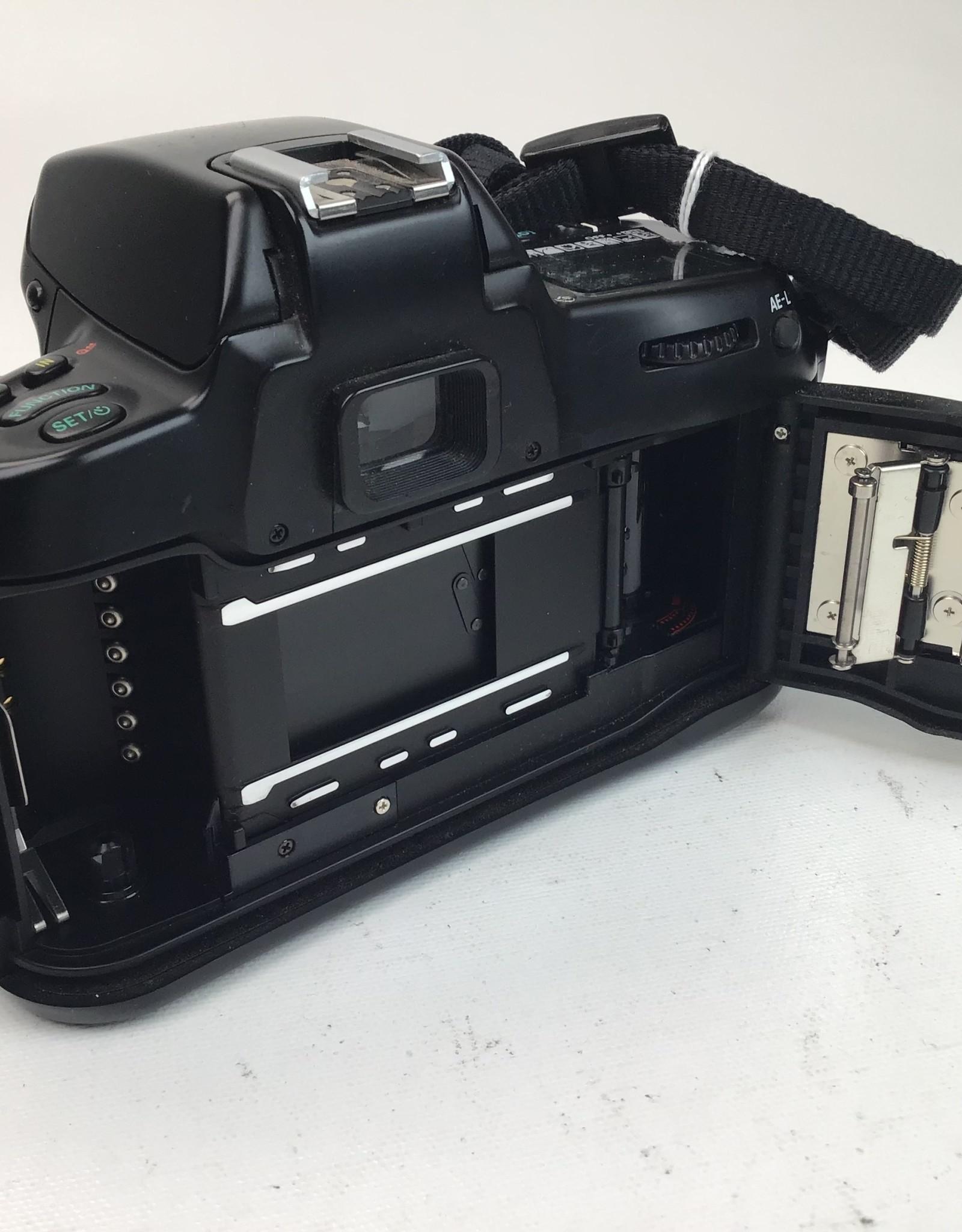 NIKON Nikon F70 35mm Film Camera Body Used BGN