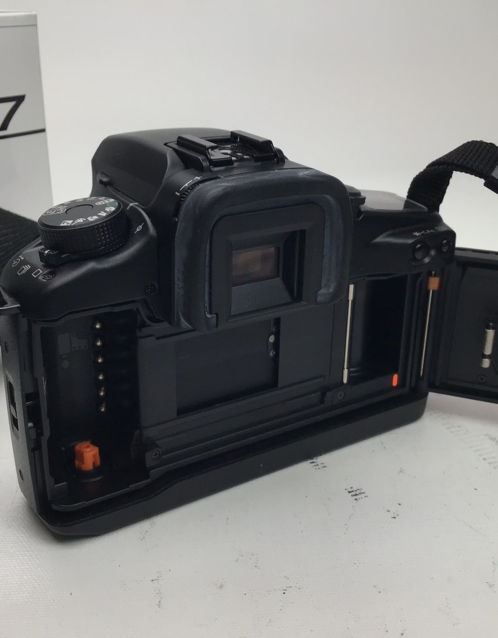 CANON Canon EOS Elan 7 Camera Used Good