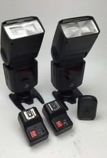 Set of 2 ONN Flashes with Transmitter, 2 Receivers Used Good
