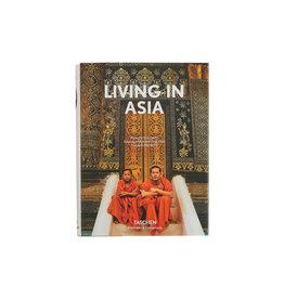 Living in Asia (Bibliotheca Universalis)