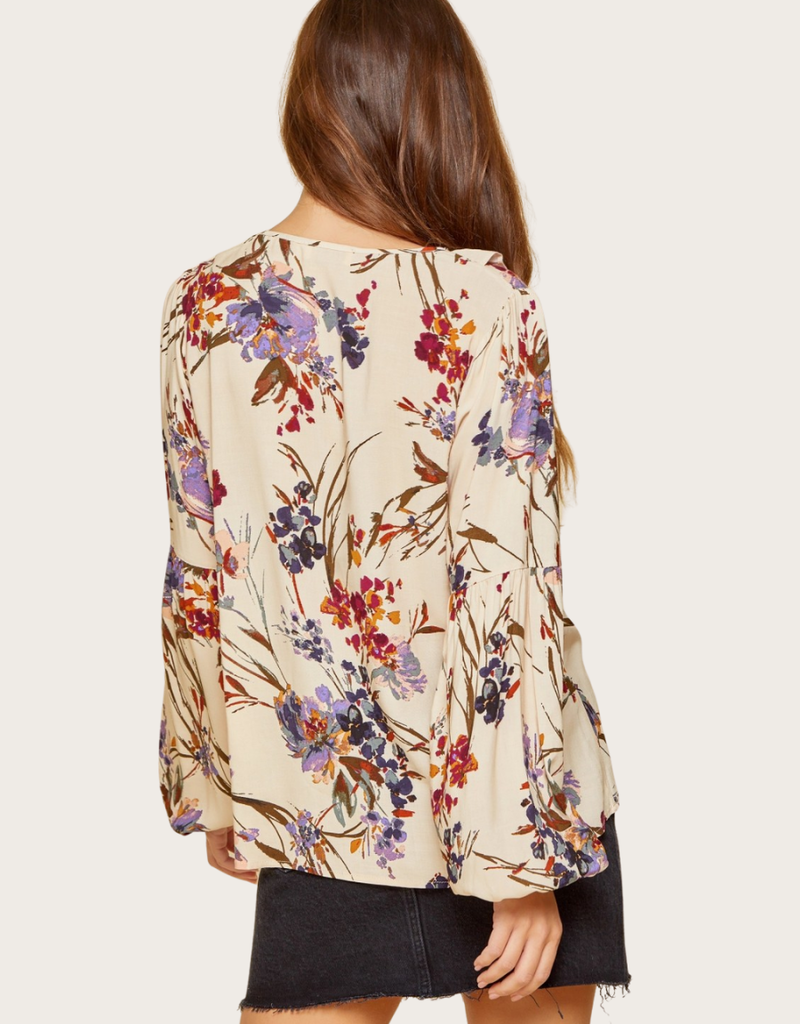 ANDREE BY UNIT Natural Floral Top