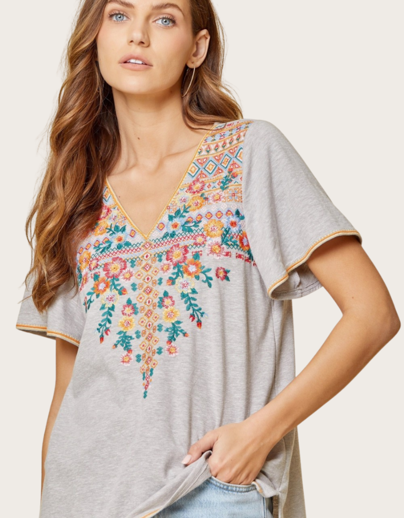ANDREE BY UNIT Grey V-Neck SS Embroidered Toop