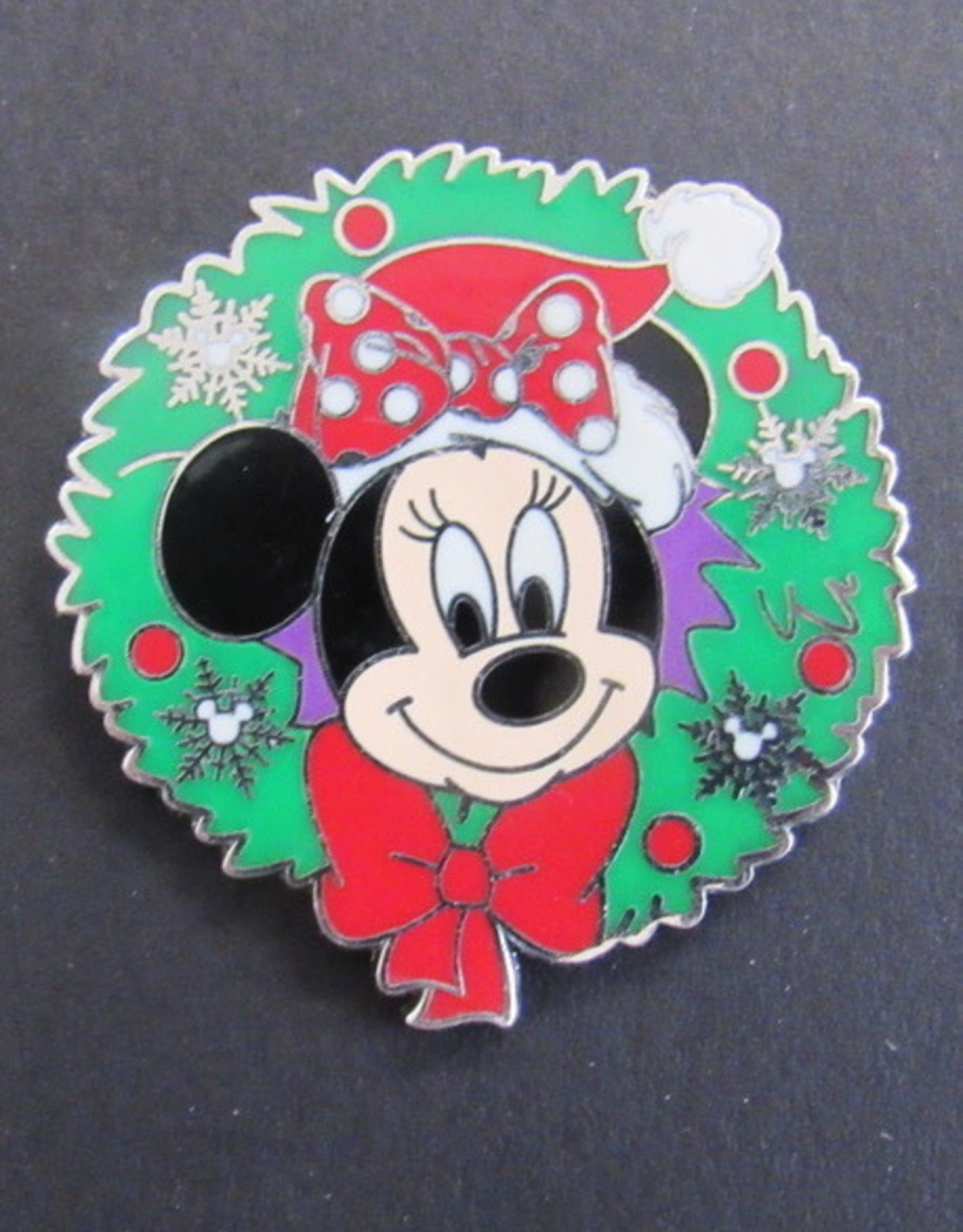Minnie Mouse in Christmas Wreath 2008 Disney Pin - LE