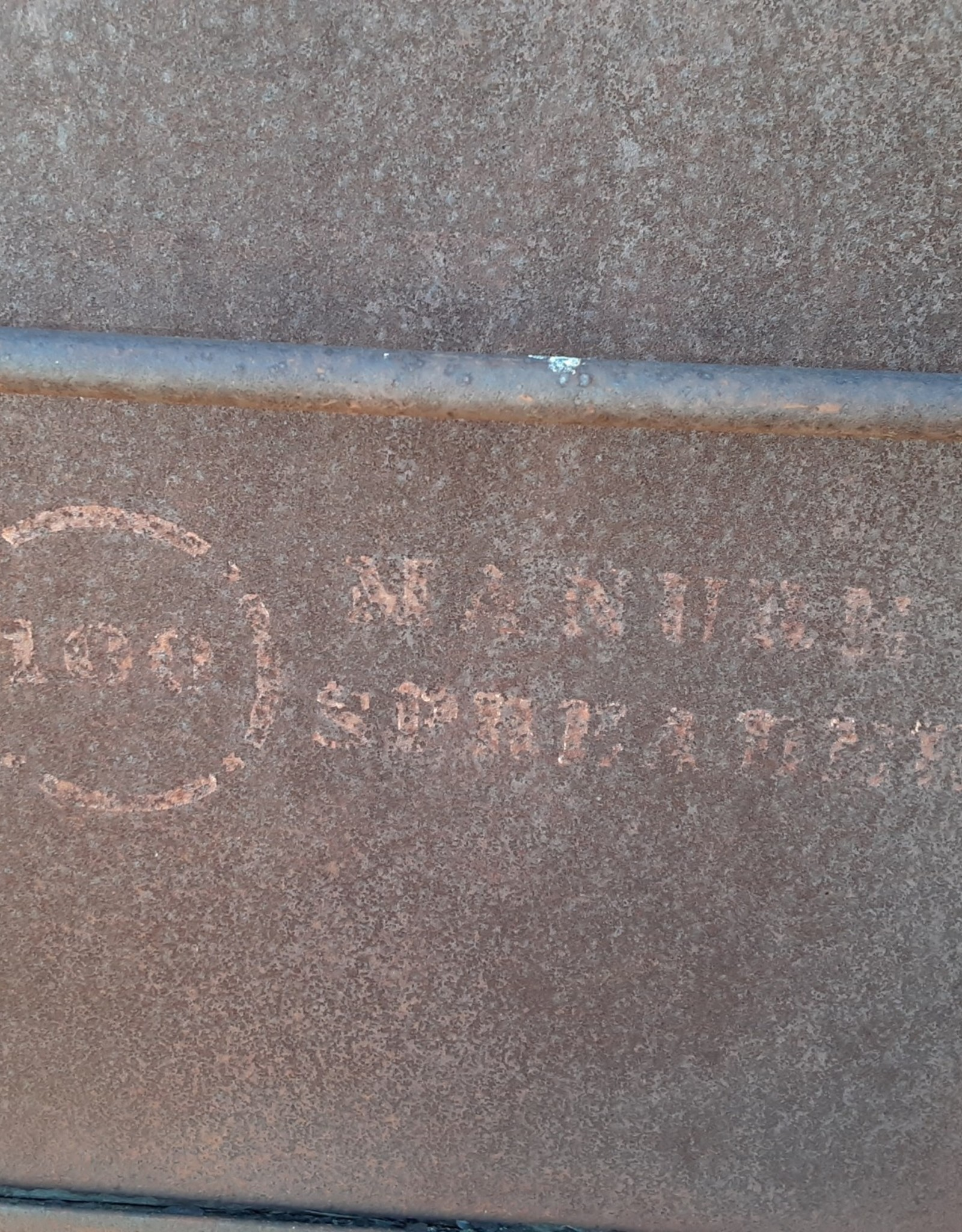model 100  manure spreader