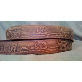 BRIAN HAMILTON MENS BELT WOLF EMBOSSED - BROWN