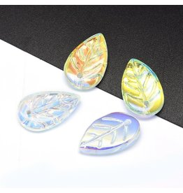 18x11x3mm Glass Leaf  Clear AB x10