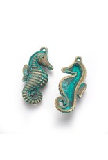 Seahorse  31x14x5mm  Antique Bronze Verdigris Green  x5 NF