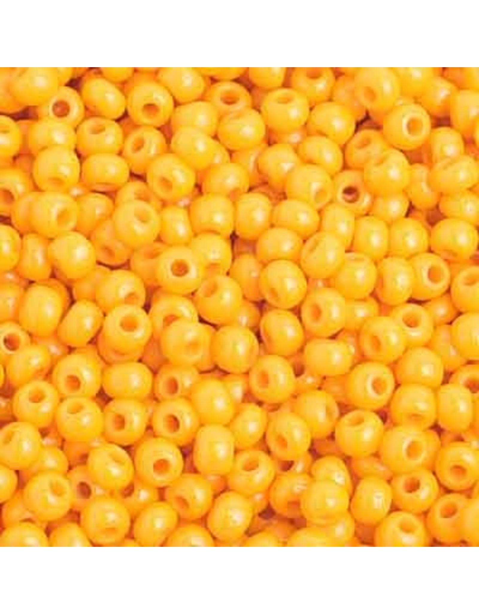 Czech 201002  8   Seed 20g Opaque Light Orange