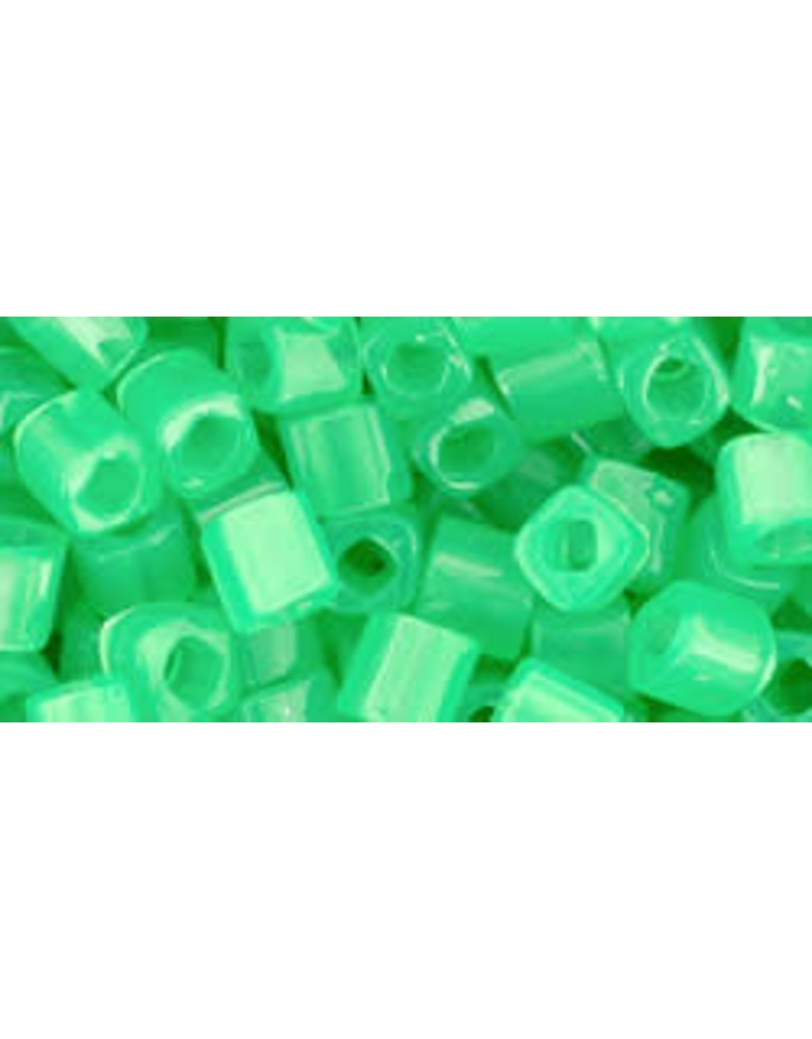 Toho 156  4mm  Cube 6g  Ceylon Jade Green