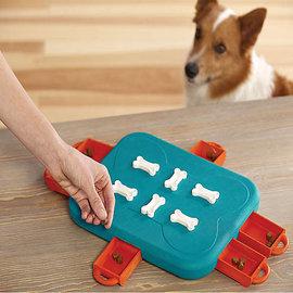 Outward Hound Outhound Hound Dog Casino Puzzle Game (By Nina Ottosson)