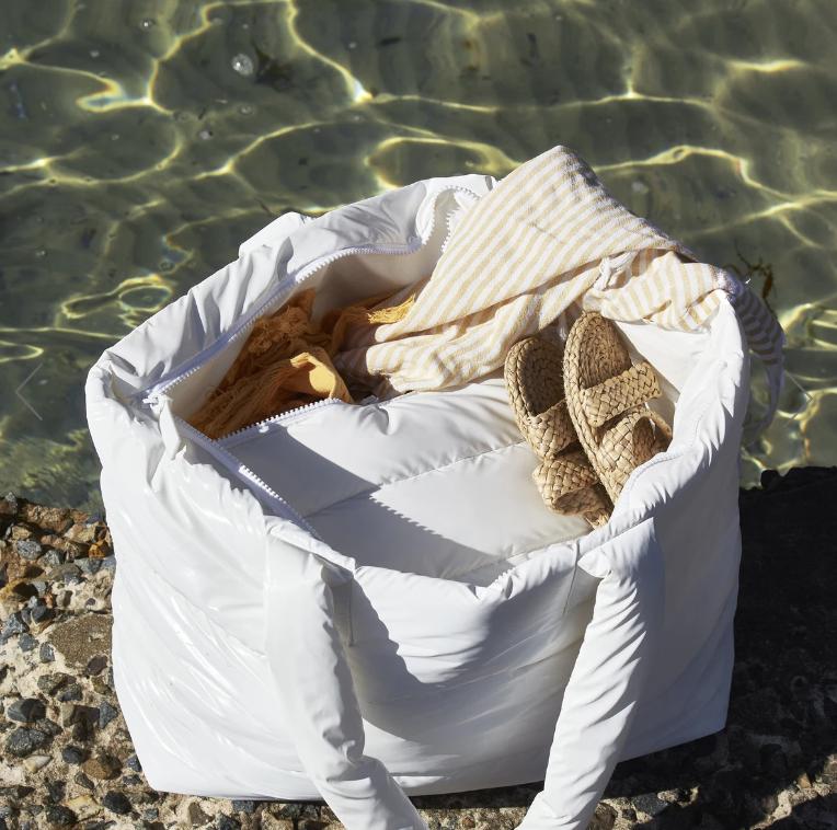 Puffer Beach Tote