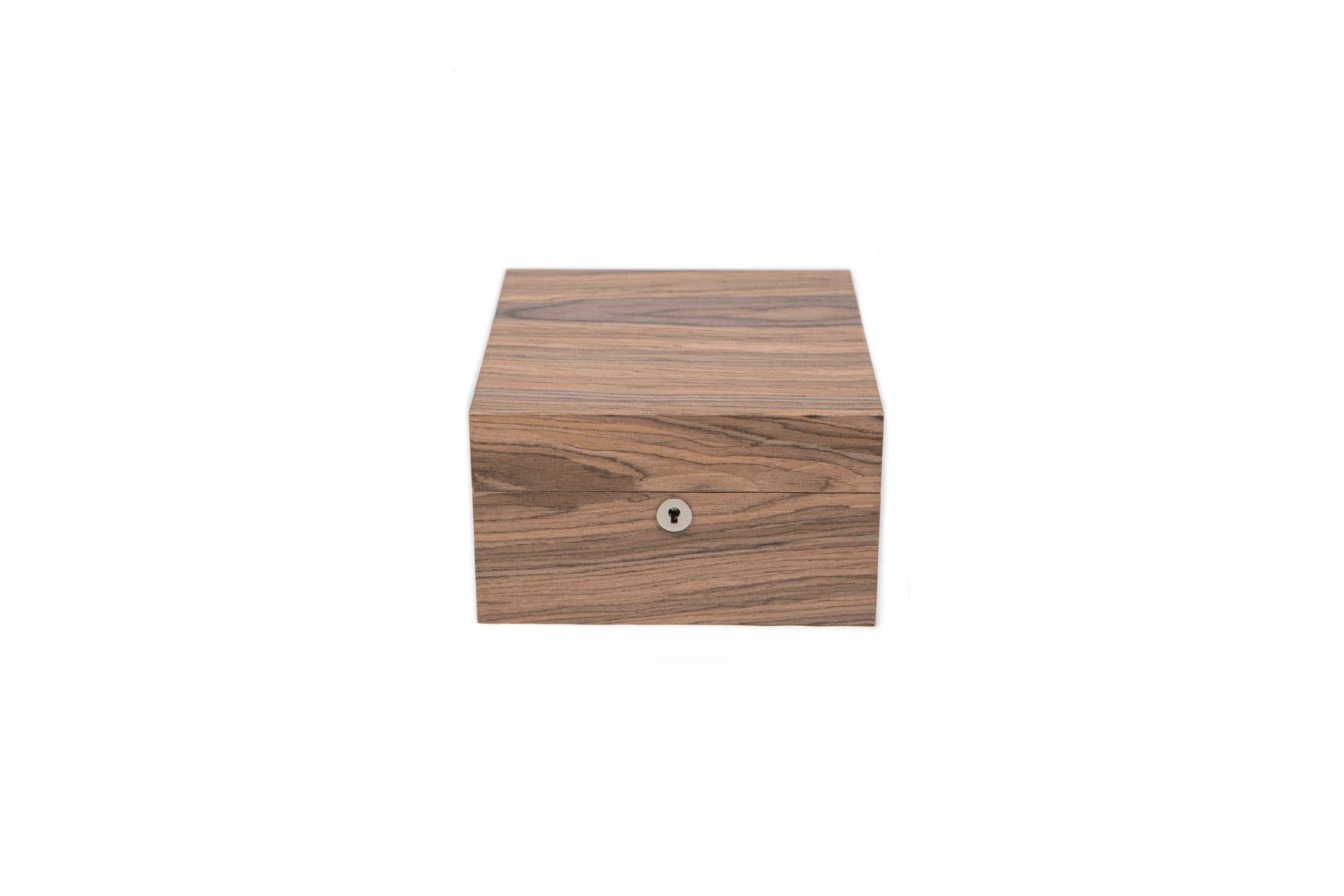 4-Strain Storage Box - Walnut