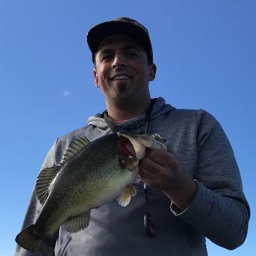 Blake Phillips largemouth bass fishing