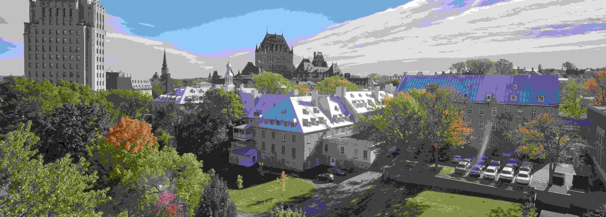 Champlain Hotel in Quebec city view from above