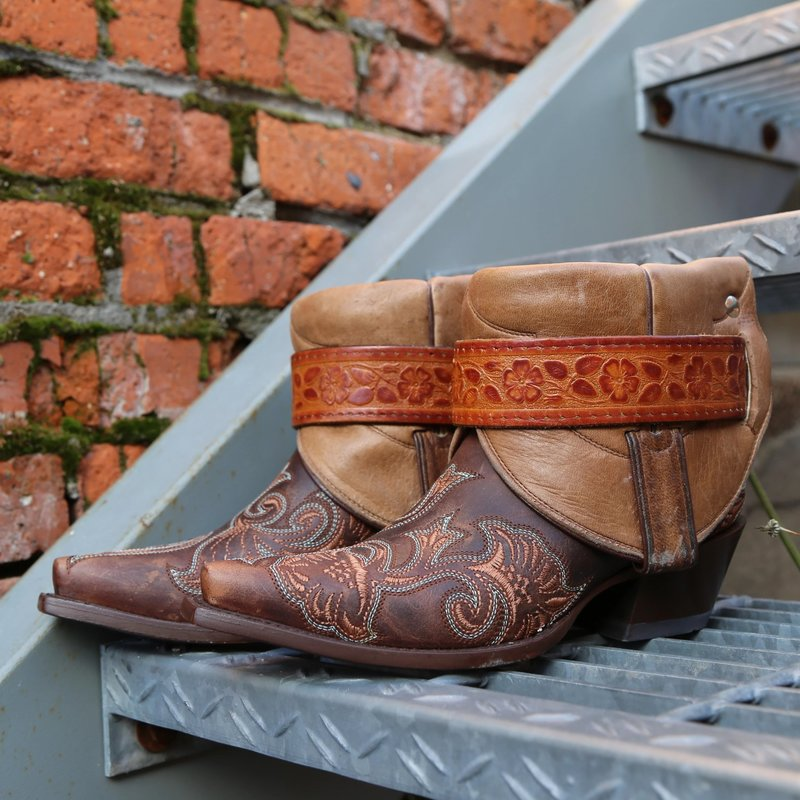 Canty Boots | Dark Brown Embroidered Snip Toe | Size 6.5