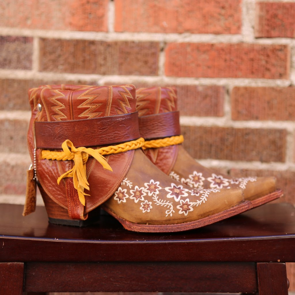 Canty Boots | Tan Floral Embroidery | Size 8.5