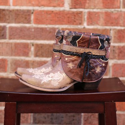 Canty Boots: Tobacco Studs + Embroidery, Size 7.5