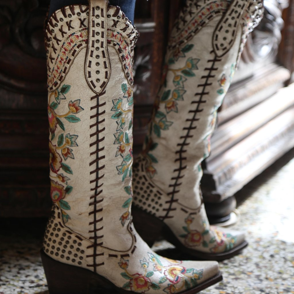 Double D Almost Famous Boot