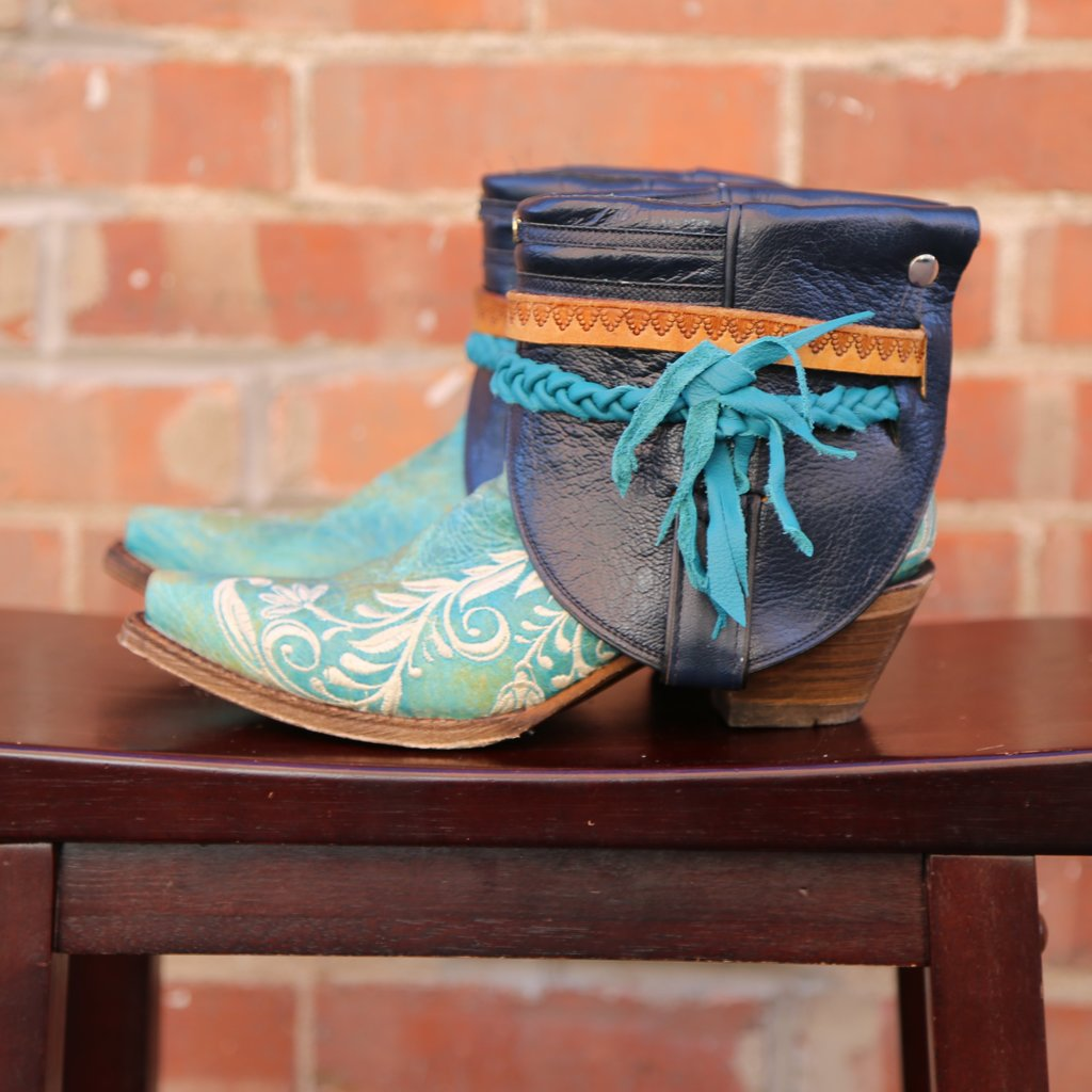Canty Boots: Turquoise Snip Toe w/ Floral Embroidery, Size 7