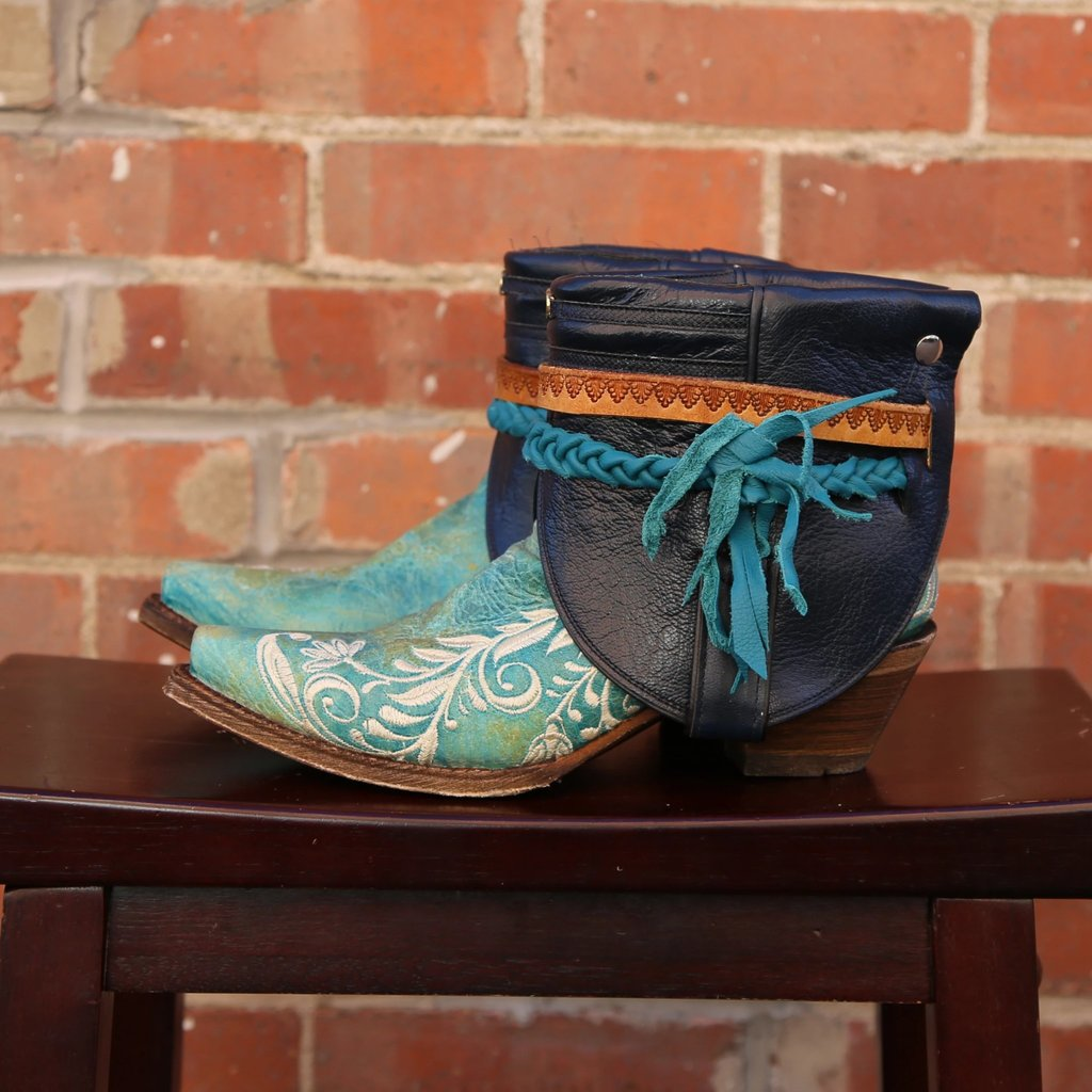 Canty Boots | Turquoise Snip Toe w/ Floral Embroidery | Size 7
