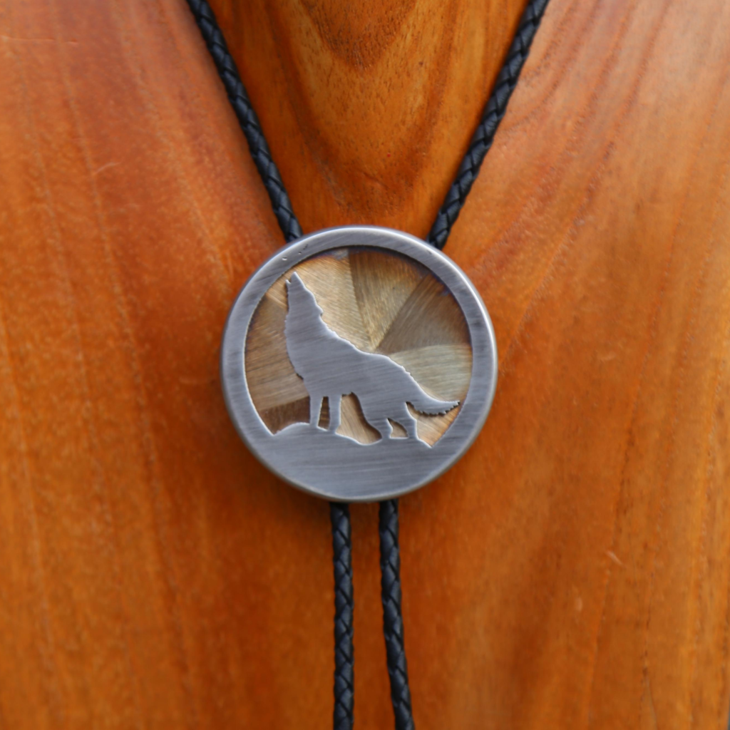 Howling Wolf Bolo
