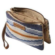 Pendleton Crescent Bay Three Pocket Keeper