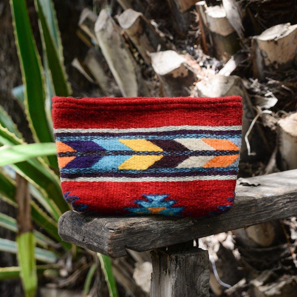 Manos Zapotecas Scarlet Arrows Clutch