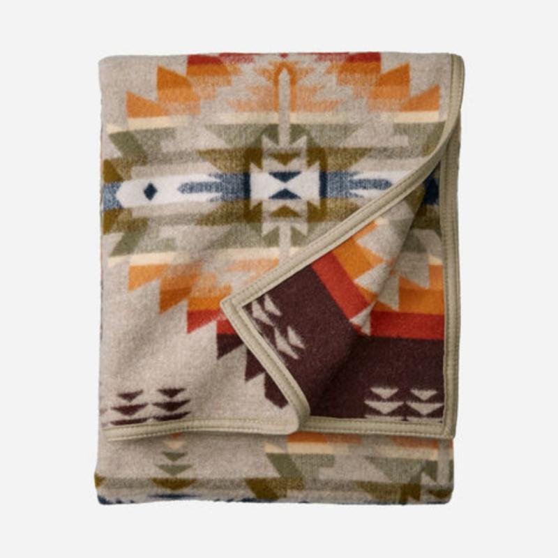 Pendleton Jacquard Napped Robe   Twin   Juniper Mesa