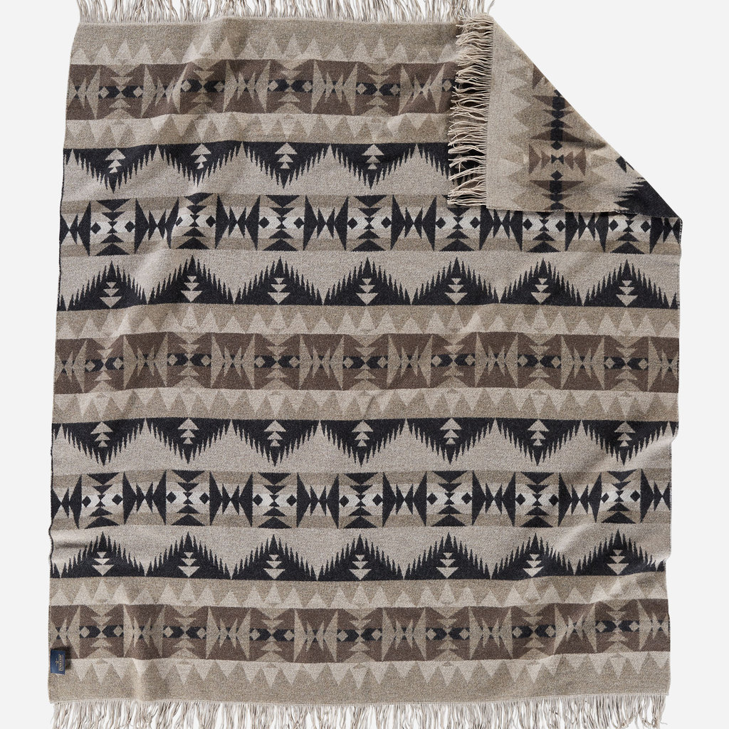 Pendleton Jacquard Fringed Throw in Sonora