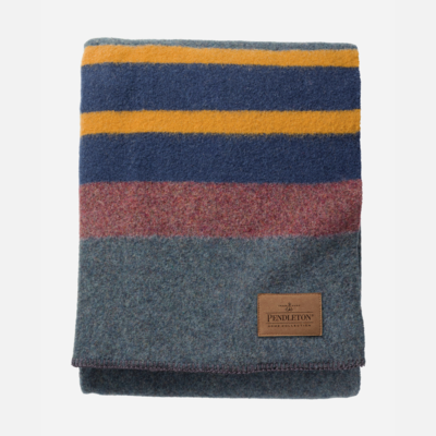 Pendleton Yakima Camp Queen Blanket in High Ridge