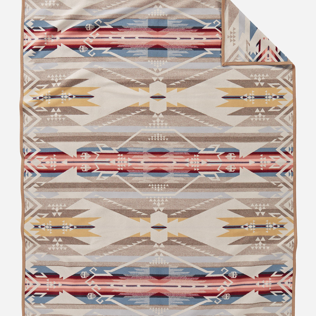 Pendleton Pendleton | Jacquard Twin Robe Blanket in White Sands Tan