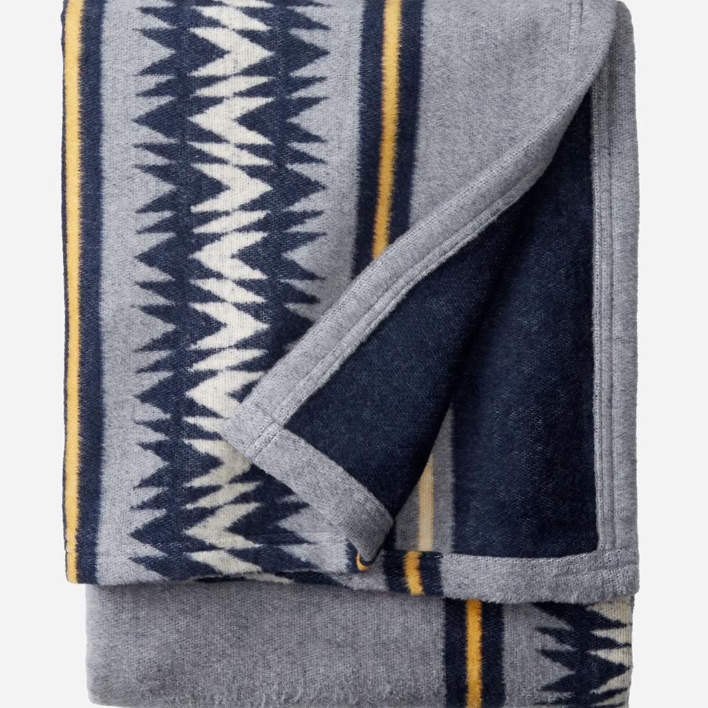 Pendleton Pendleton | Cotton Throw Blanket Gift Pack Thunder in Basket Navy