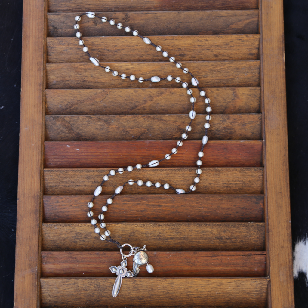 3 Angels | Pearls w Silver Cross Necklace