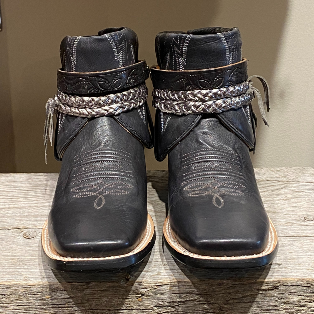 Canty Boots | Black, Silver Boot | Size 11