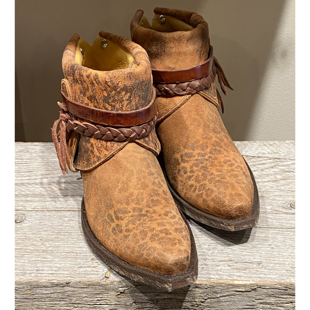 Canty Boots   Leopardito Boots   Size 9