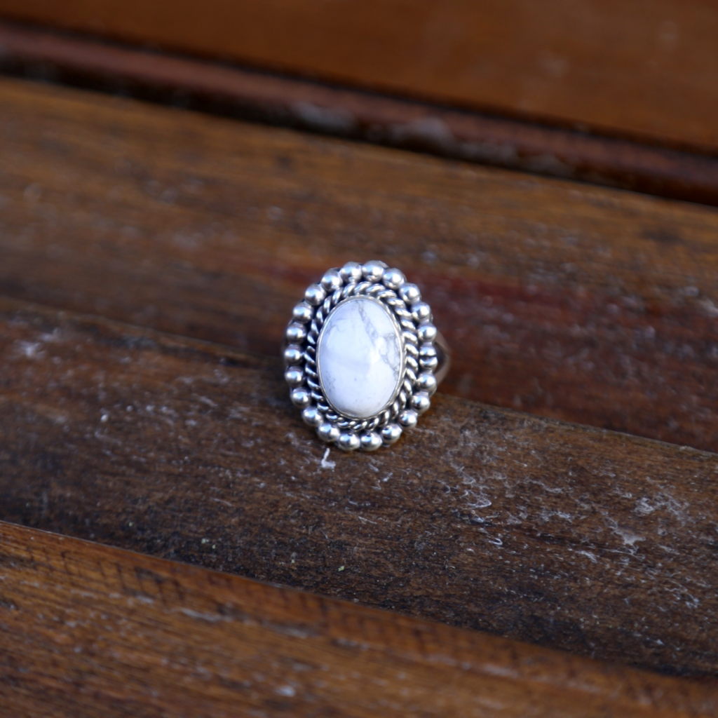 Sterling | White Buffalo Ring | Size 9 1/4
