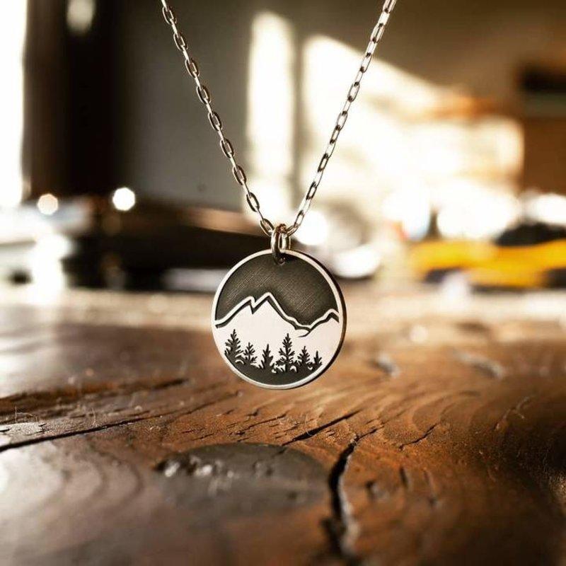 The Bearded Jeweler Explore Round Necklace
