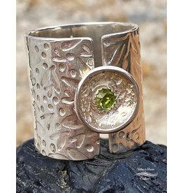 Jennifer Lamprey Floral Peridot Ring - Size 8.75
