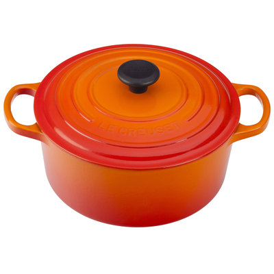 LE CREUSET Signature 3.3 L Round French Oven Flame