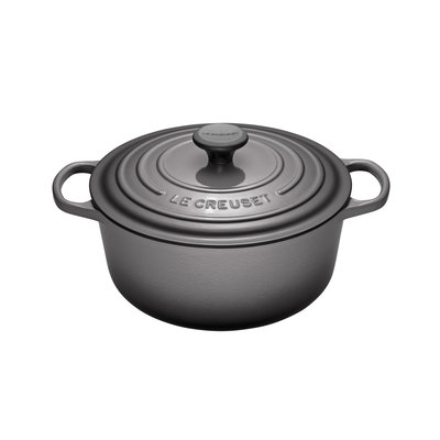 LE CREUSET Signature 5.3 L Round French Oven Oyster