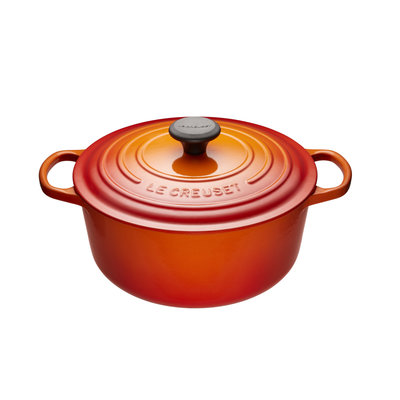 LE CREUSET Signature 5.3 L Round French Oven Flame