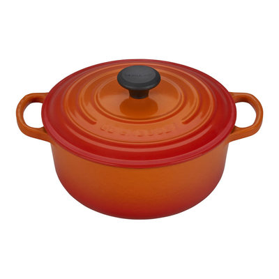 LE CREUSET Signature 2.4 L Round French Oven Flame