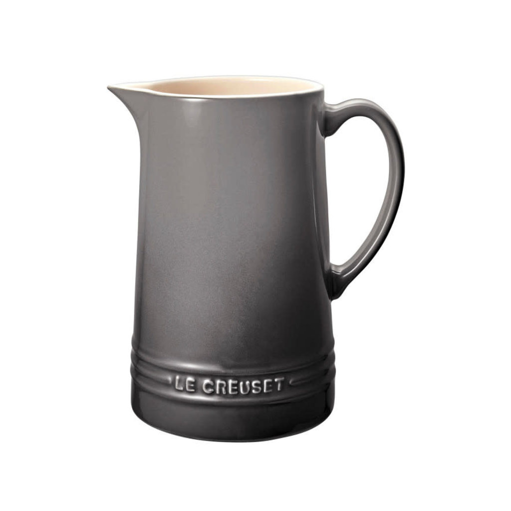 LE CREUSET Classic 1.5 L Pitcher Oyster