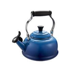 LE CREUSET Classic Whistling 1.6 L Kettle Blueberry