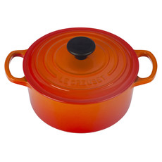 LE CREUSET Signature 1.8 L Round French Oven Flame