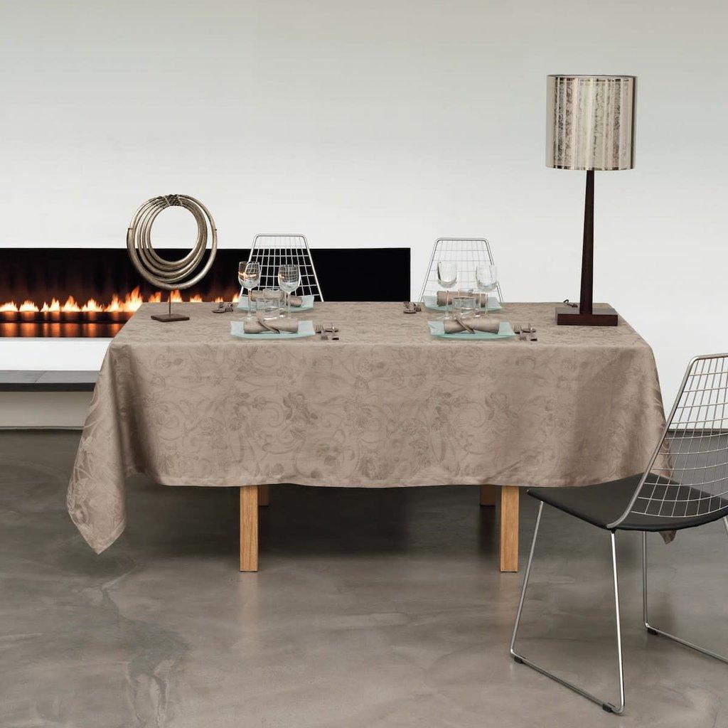 LE JACQUARD FRANCAIS Tivoli Tablecloth 69'' X 126'' Black Pepper