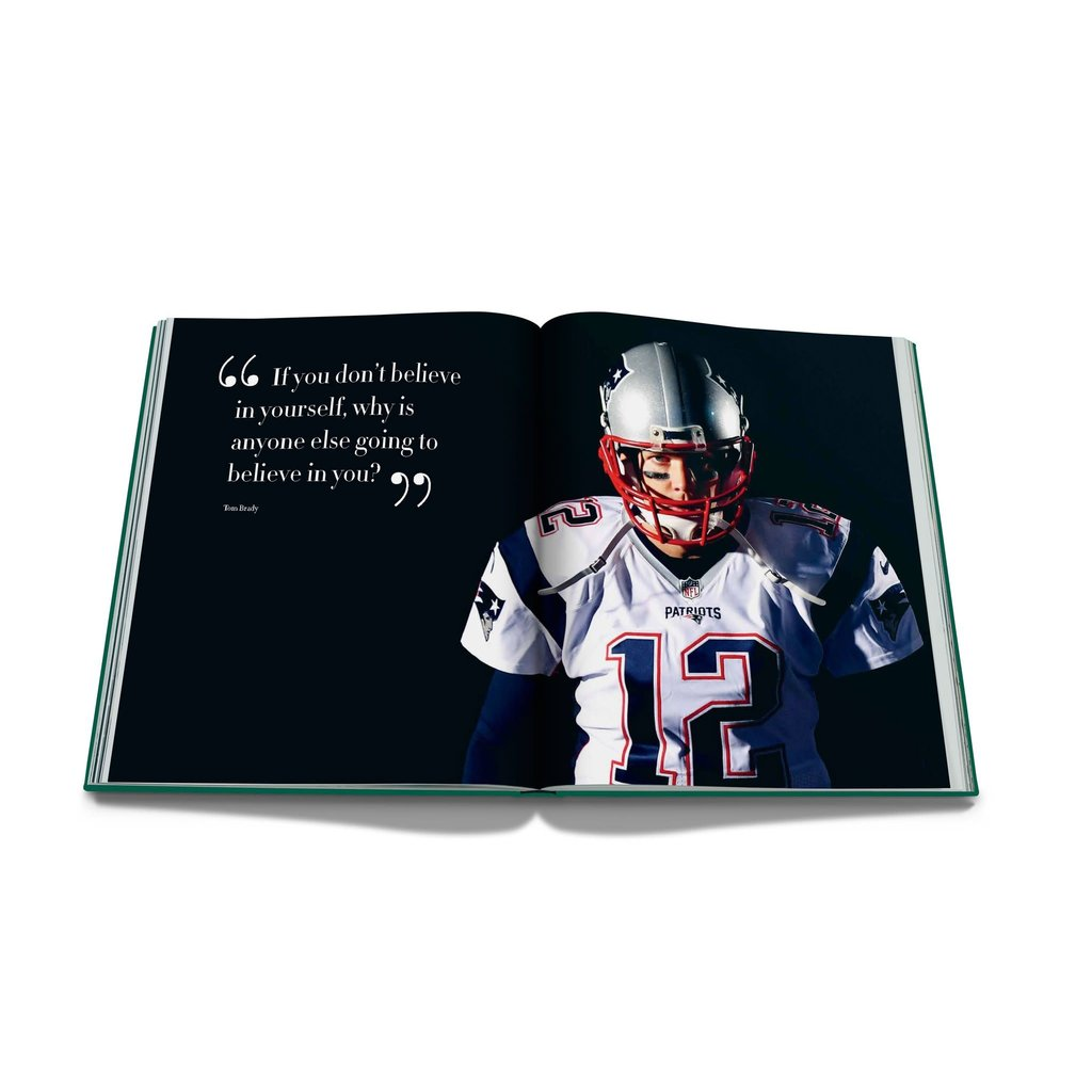 ASSOULINE Football: The Impossible Collection The 100 Most Legendary Moments  in History