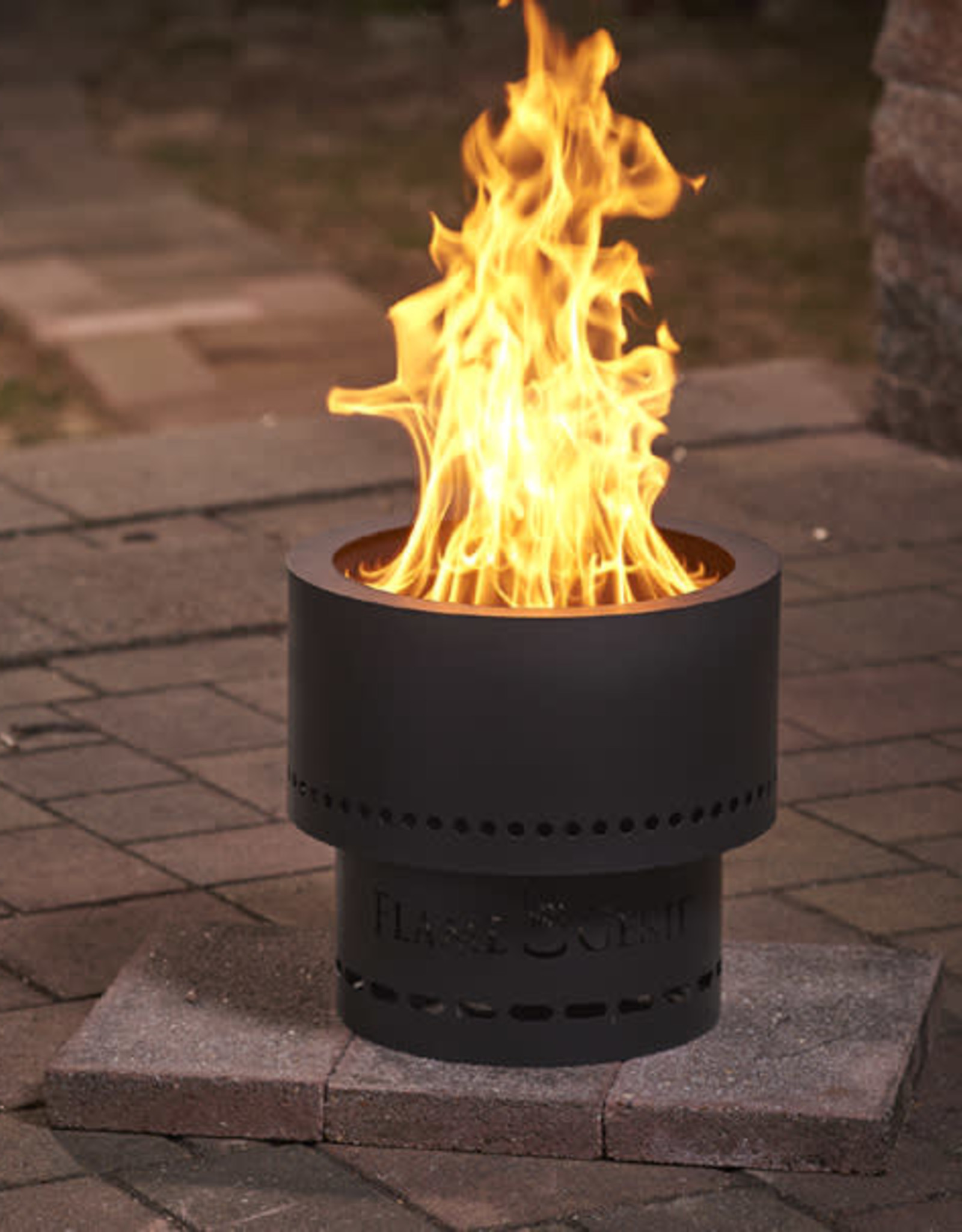 """LUMBER JACK FLAME GENIE WOOD PELLET FIRE PIT - 19""""  BLACK"""