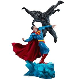 DC COMICS Batman vs. Superman Sideshow Collectibles